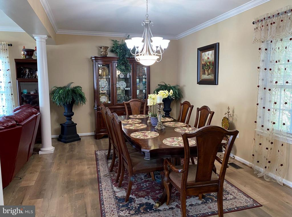 Formal Dining with Interior Columns! - 384 TURNBERRY DR, CHARLES TOWN