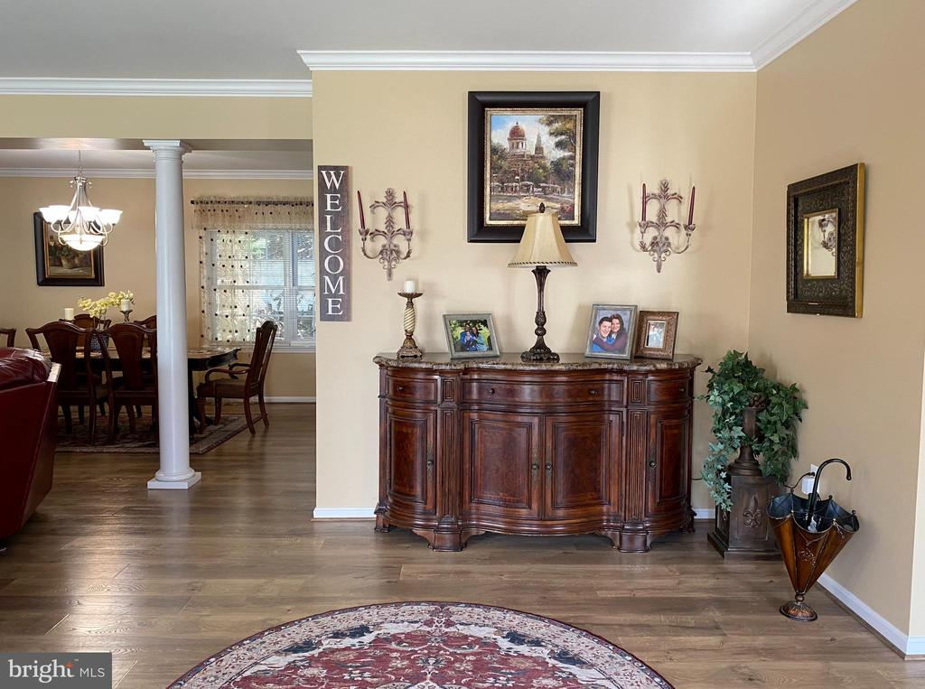 Formal Entry Foyer - 384 TURNBERRY DR, CHARLES TOWN