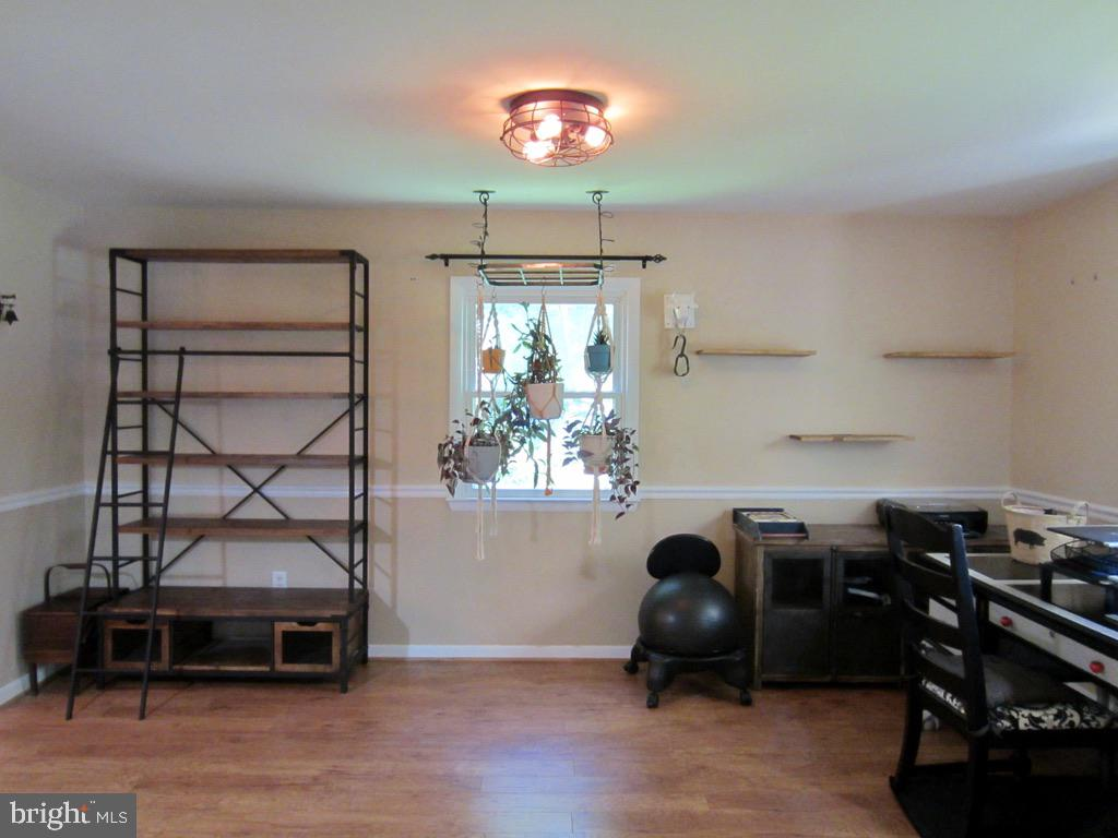 Dining Room or Office - 81 ESTATE ROW, STAFFORD
