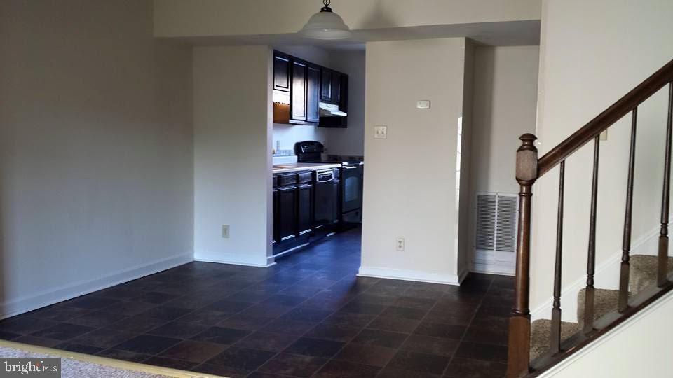 Dining room w/ access to kitchen - 2245 ROCK CREEK RD, FREDERICKSBURG