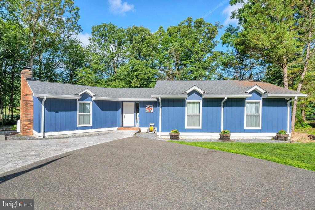 Private Location at the end of the street - 141 EAGLE CT, LOCUST GROVE