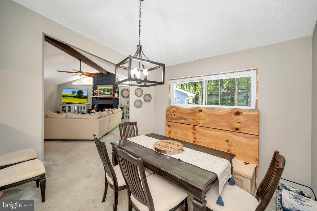Open Dining Off the Living Room - 141 EAGLE CT, LOCUST GROVE
