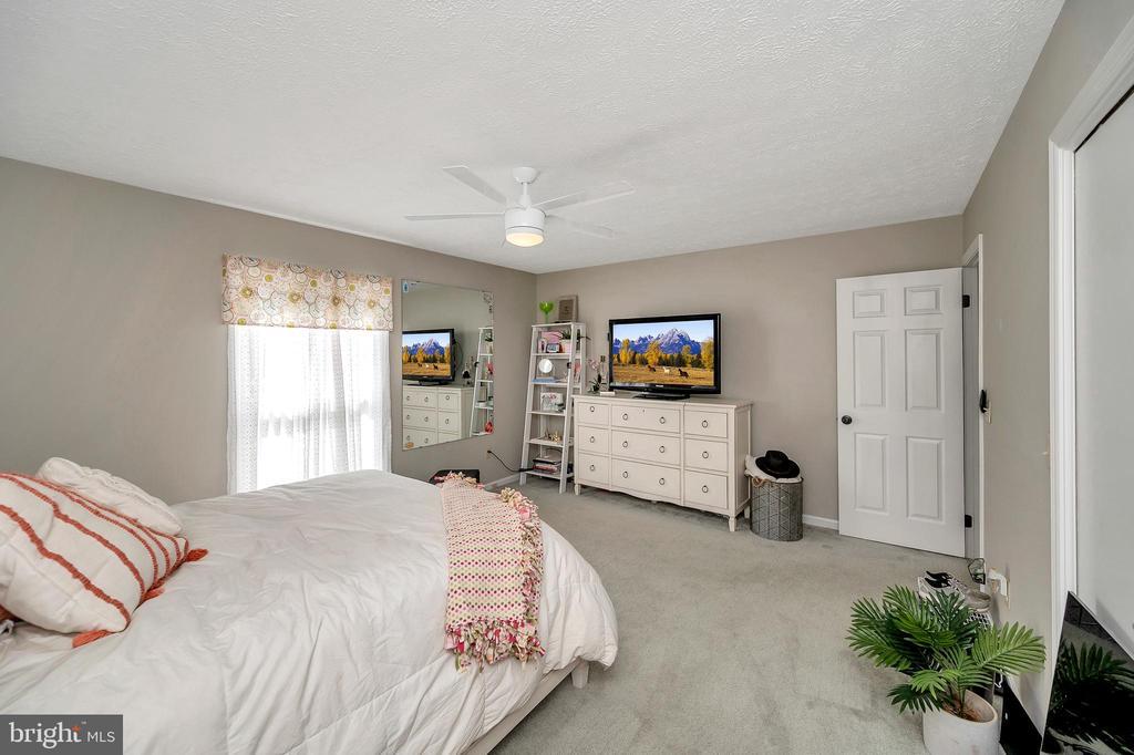 Bedroom two - 141 EAGLE CT, LOCUST GROVE