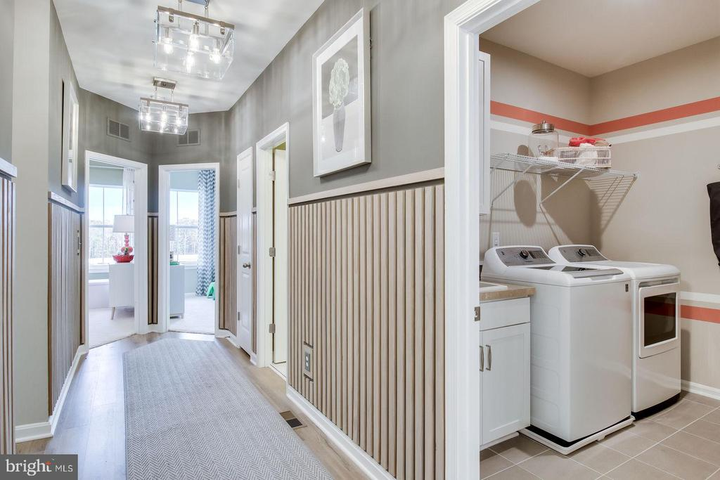 UPPER LEVEL HALL AND LAUNDRY - 5060 DIMPLES CT, WOODBRIDGE