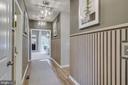 UPPER LEVEL HALLWAY - 5060 DIMPLES CT, WOODBRIDGE