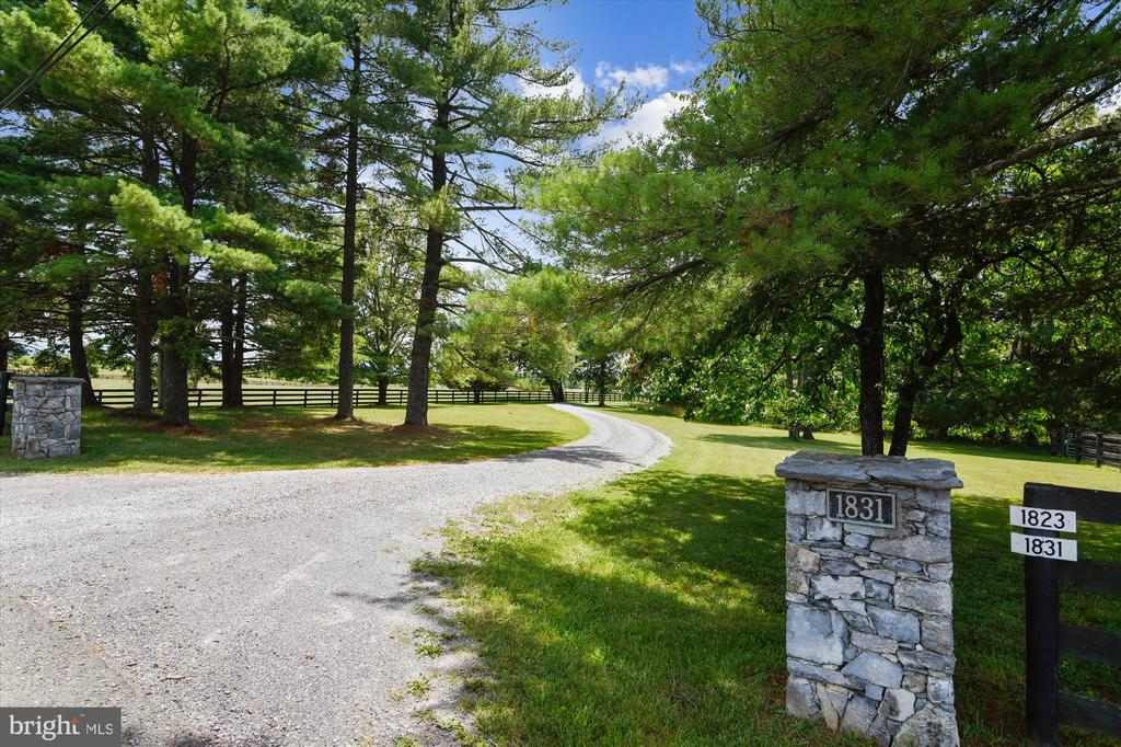 Entrance from Old Winchester Road - 1823 OLD WINCHESTER RD, BOYCE