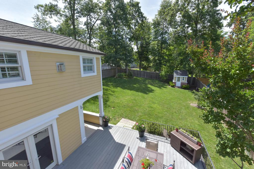 View of backyard from roof deck - 3302 ELMORE DR, ALEXANDRIA