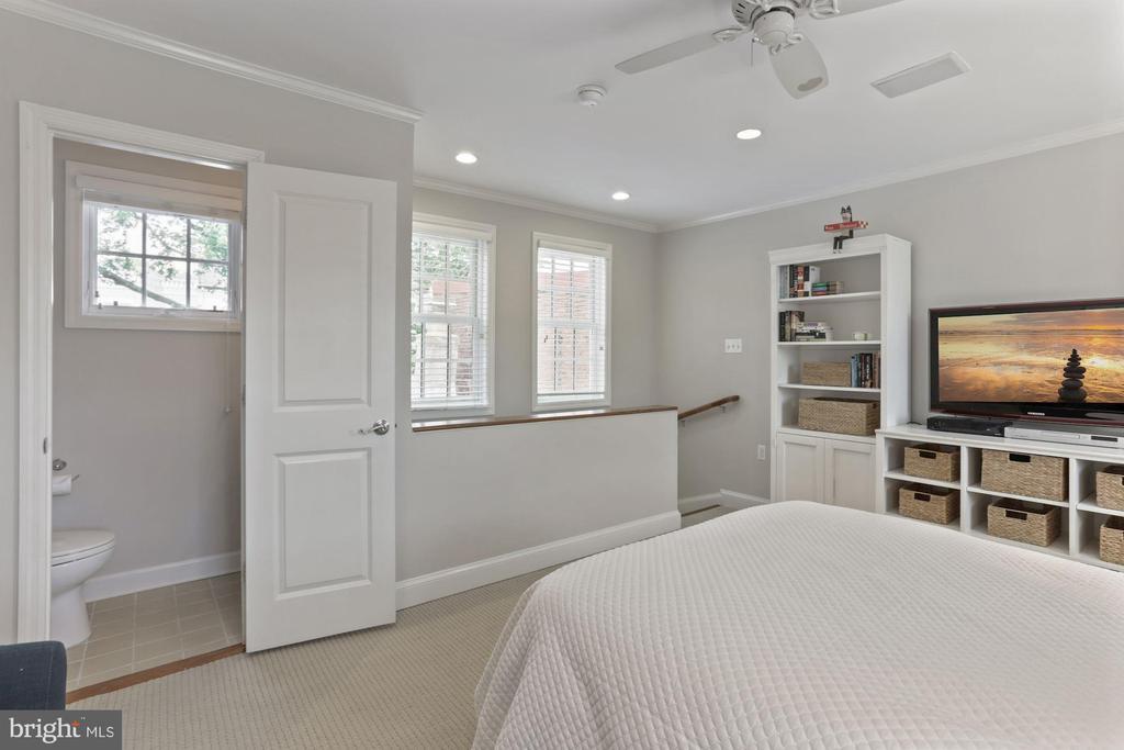 ...or office or family room - 121 6TH ST NE, WASHINGTON