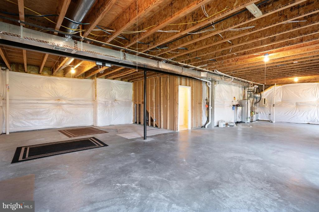 UNFINISHED FULL, BASEMENT WITH WALK-OUT AT REAR - 402 CRAIG DR, STEPHENS CITY