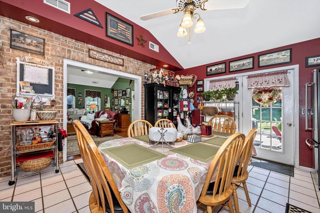 In-Law suite Kitchen - 10740B WOODSBORO RD, WOODSBORO