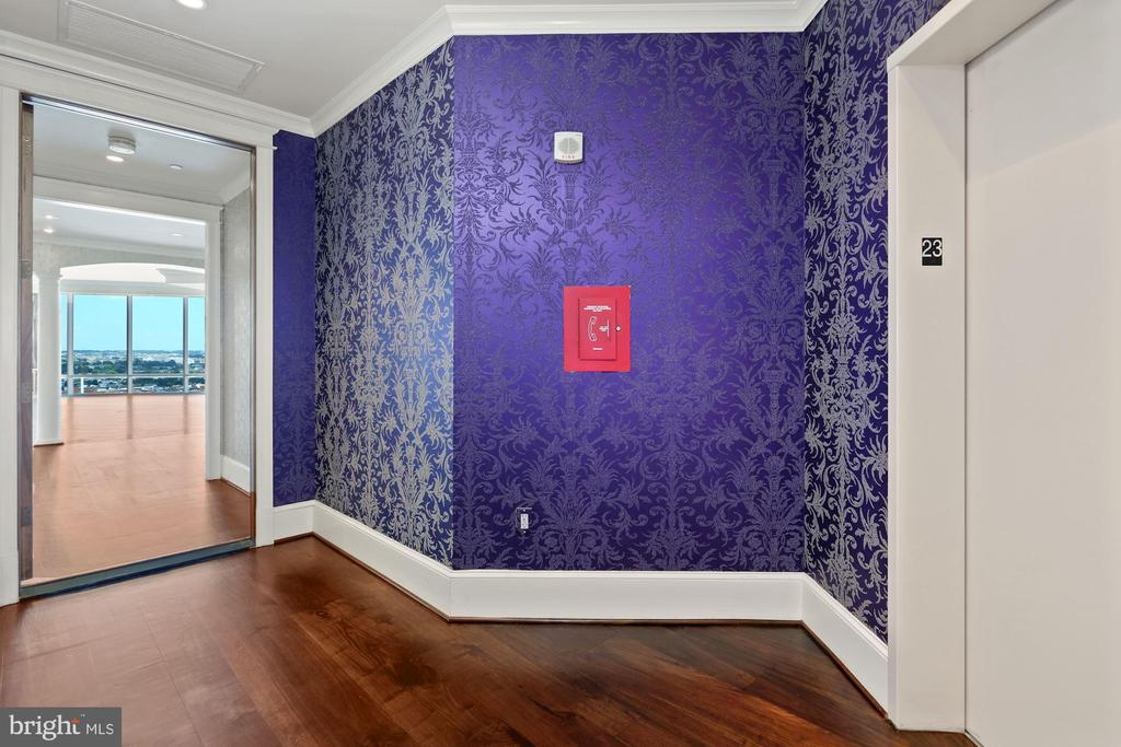 Private elevator leads to sun-drenched unit! - 1881 N NASH ST #2311, ARLINGTON