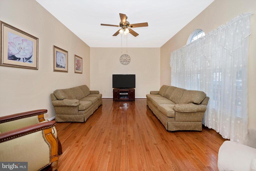 Family Room - 6904 BARON CT, FREDERICK