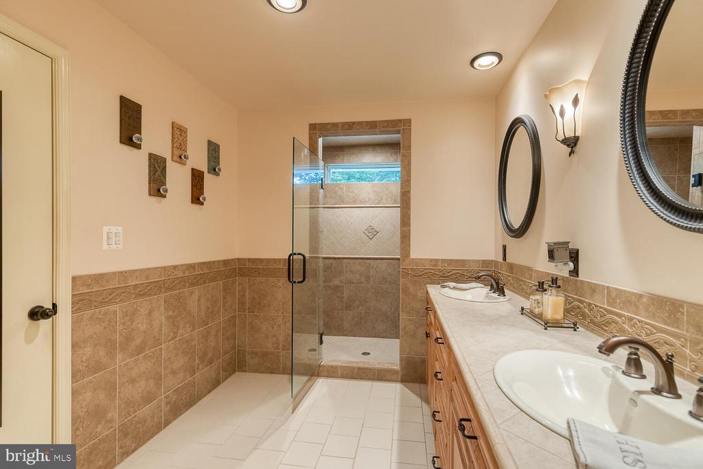 NEW PRIMARY BATH - 28 HOUGHTON LN, FREDERICKSBURG