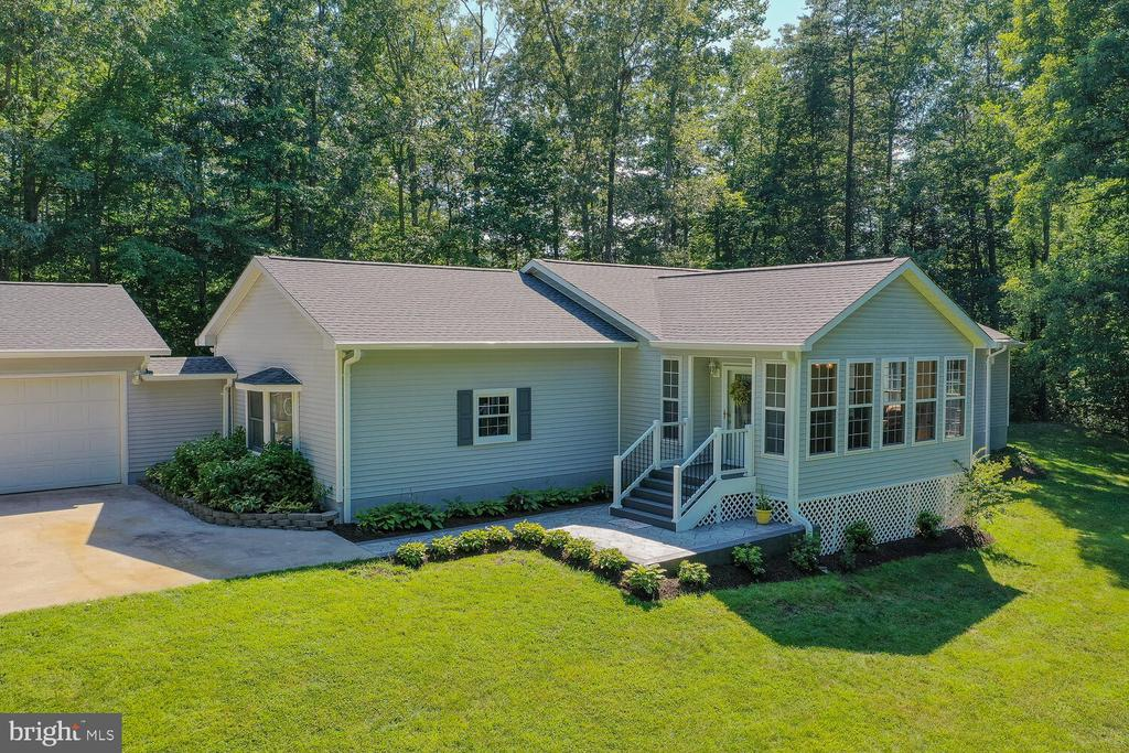 WELCOME TO YOUR NEW HOME! - 28 HOUGHTON LN, FREDERICKSBURG