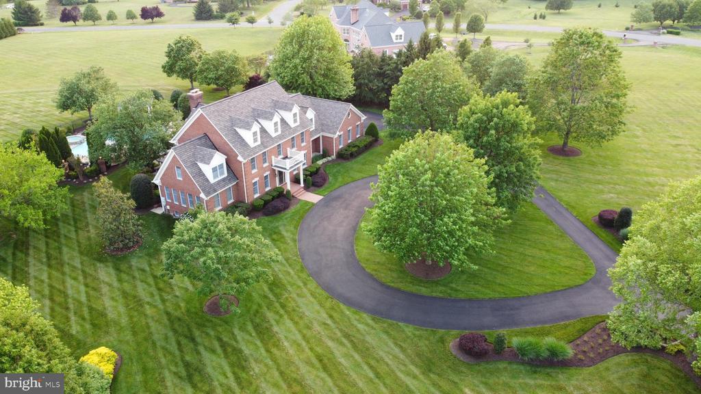 4.49 wonderful acres - 22606 HILLSIDE CIR, LEESBURG