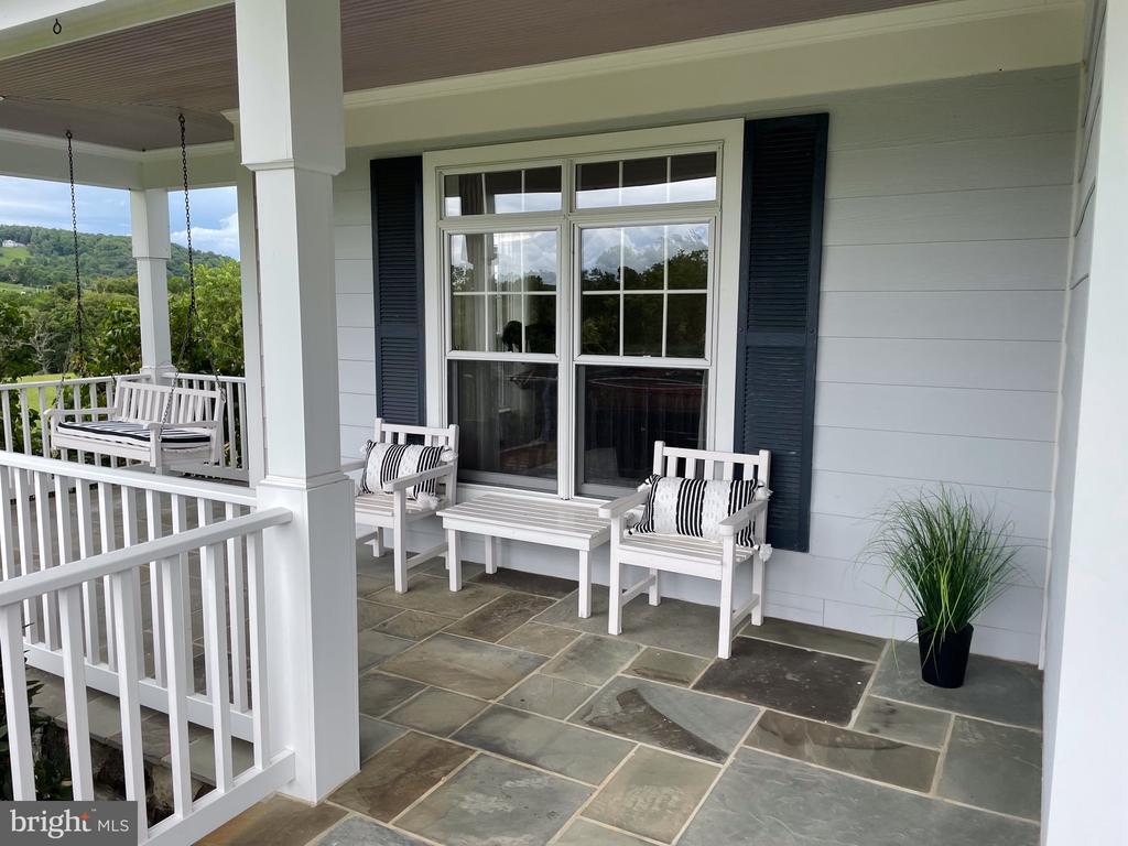 Wrap around porch - 14868 CIDER MILL RD, HILLSBORO