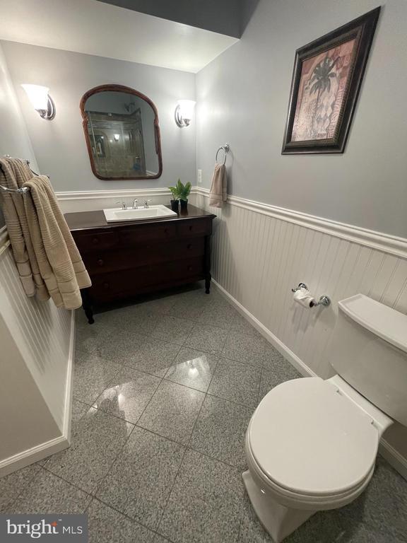Lower lvl full bath - 14868 CIDER MILL RD, HILLSBORO