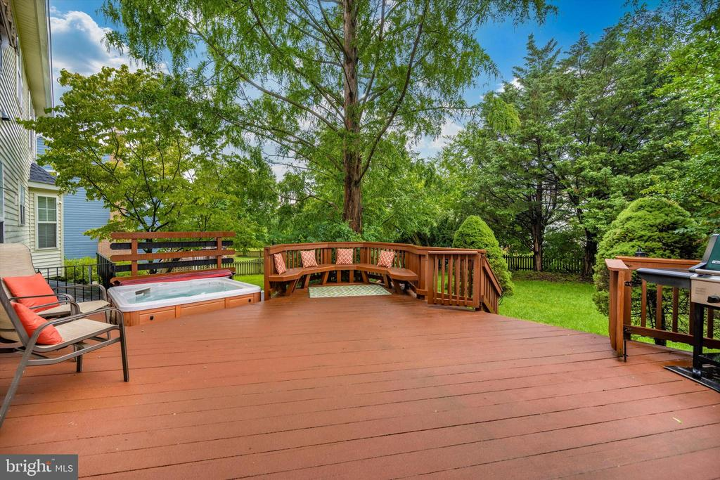 Inviting, open deck with hot tub! - 6304 SPRING FOREST RD, FREDERICK