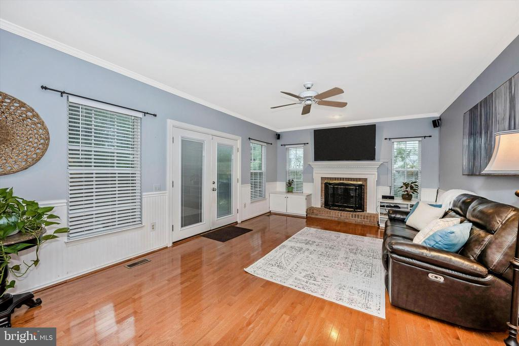 Family room with new french doors to deck - 6304 SPRING FOREST RD, FREDERICK