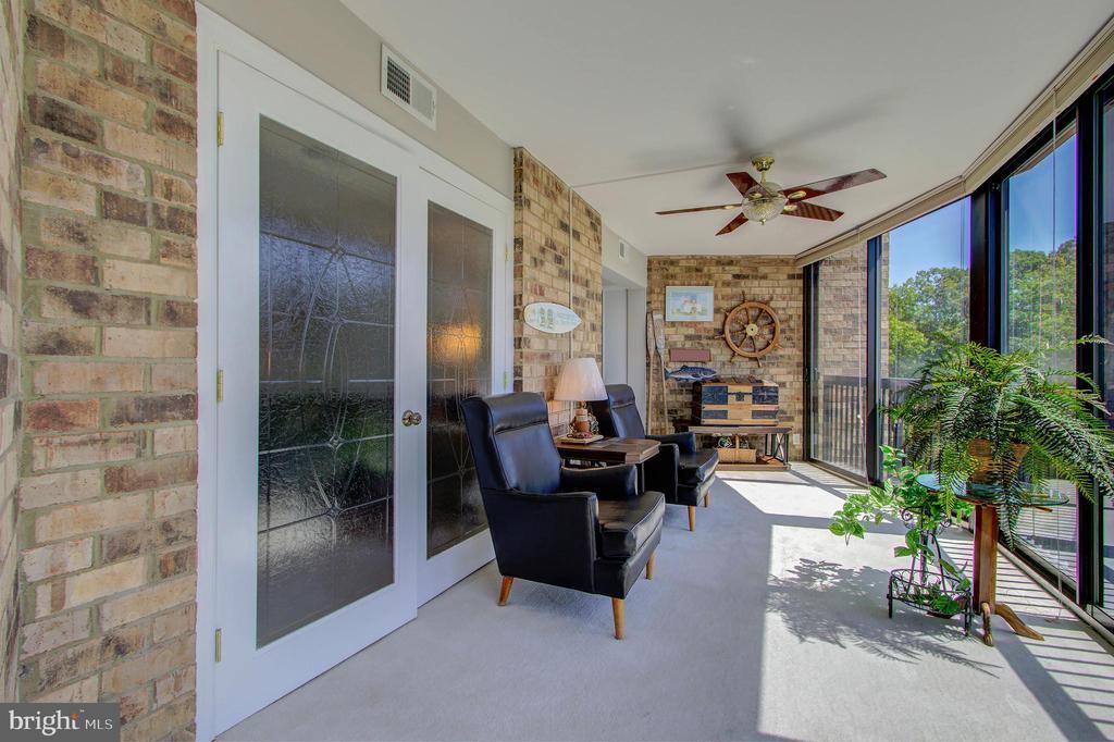 Sun/Florida Room- Largest of All Montebello Models - 5904 MOUNT EAGLE DR #504, ALEXANDRIA