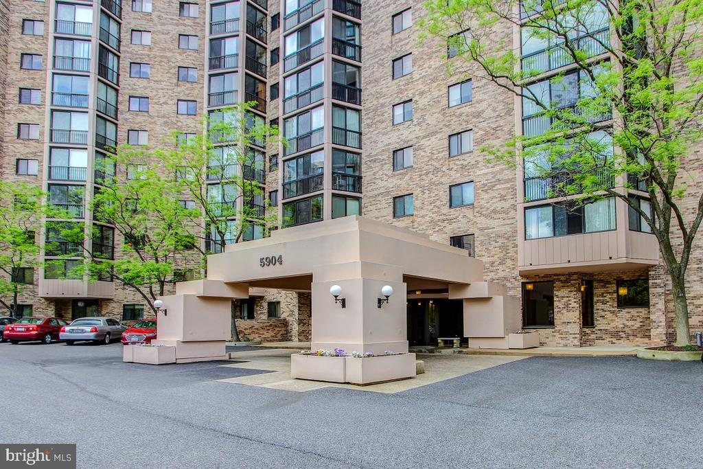 Building Entrance with Covered Drive-Through! - 5904 MOUNT EAGLE DR #504, ALEXANDRIA