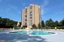 Montebello Outdoor Swimming Pool! - 5904 MOUNT EAGLE DR #504, ALEXANDRIA