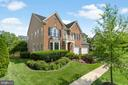 This stately brick & Hardie board home is ready! - 43409 RIVERPOINT DR, LEESBURG