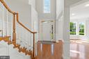 Two story foyer entry to huge entertaining areas - 43409 RIVERPOINT DR, LEESBURG