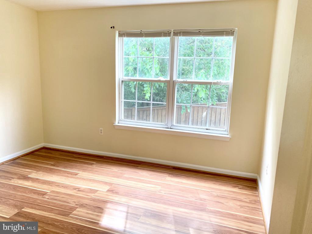 Bedroom 2 with 2 closets - 501 CONSTELLATION SQ SE #C, LEESBURG