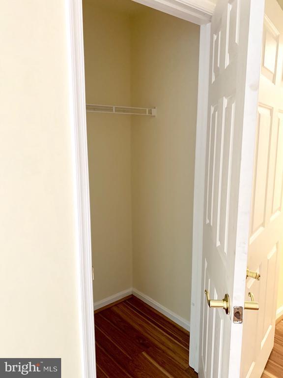 Bedroom 2 (closet 2) - 501 CONSTELLATION SQ SE #C, LEESBURG