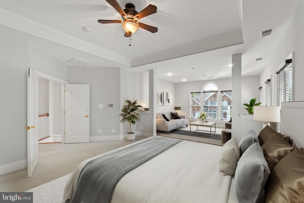 Virtually Staged--primary bedroom w/sitting room - 43409 RIVERPOINT DR, LEESBURG