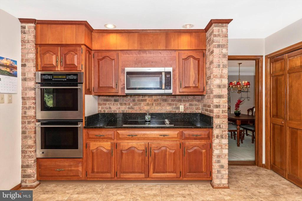 Kitchen with Cooktop & Double Oven - 7402 ROUND HILL RD, FREDERICK