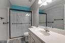 upper level hall FULL BATH - 8305 VENTNOR RD, PASADENA