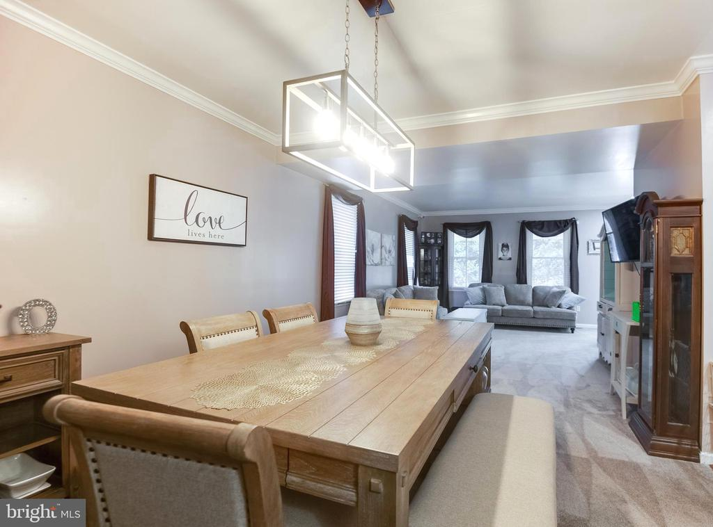 dining room facing the living room - 8305 VENTNOR RD, PASADENA