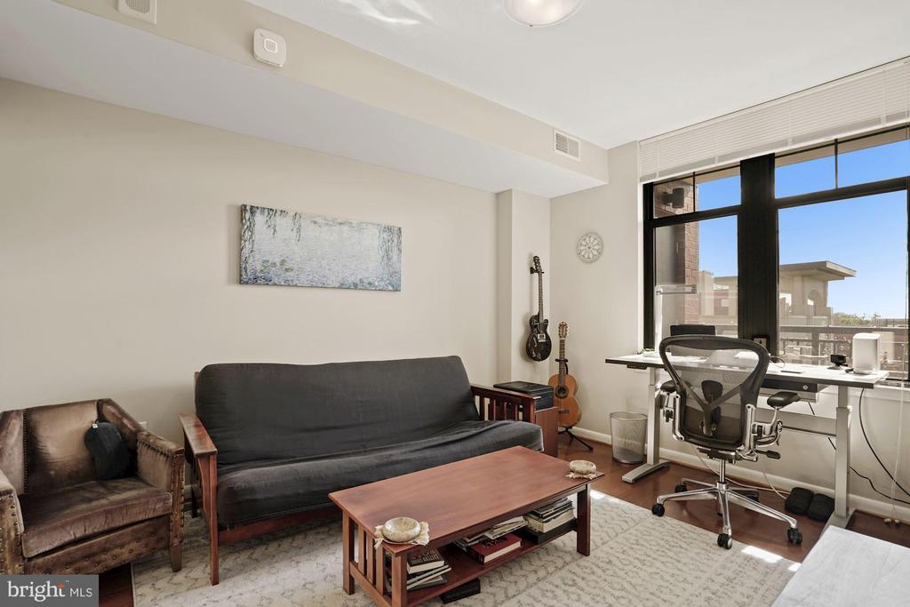 2nd Bedroom/ office - 1021 N GARFIELD ST #731, ARLINGTON
