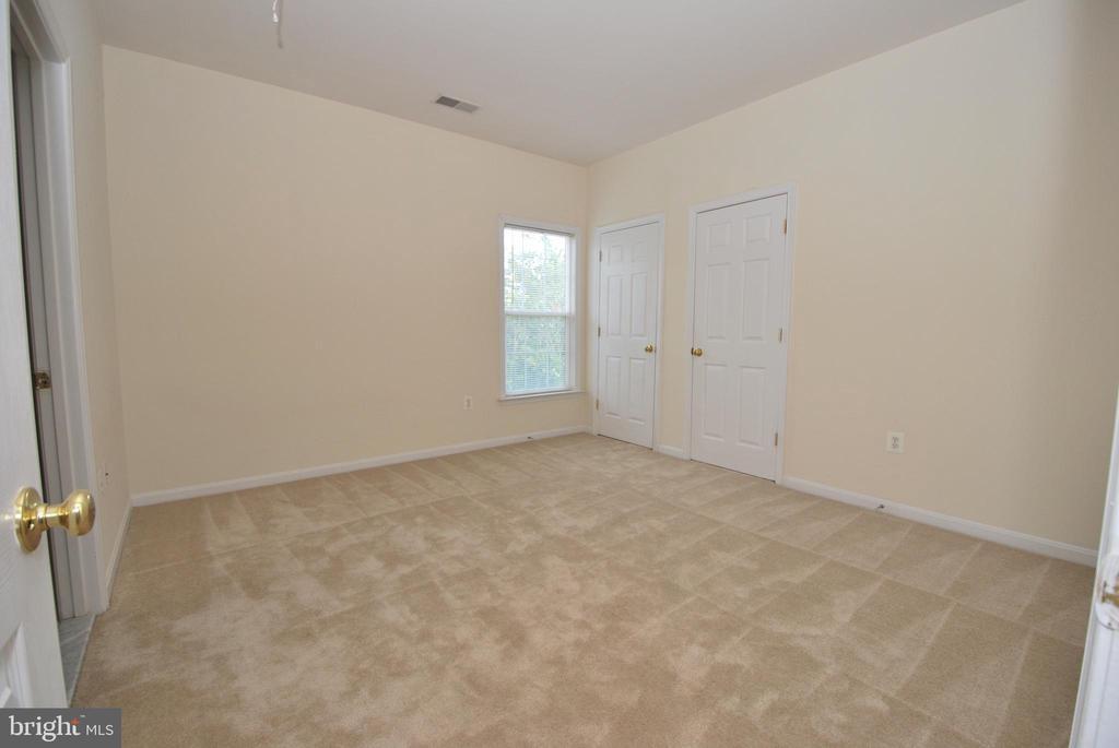 En-suite Bedroom #4 - 22554 FOREST RUN DR, ASHBURN