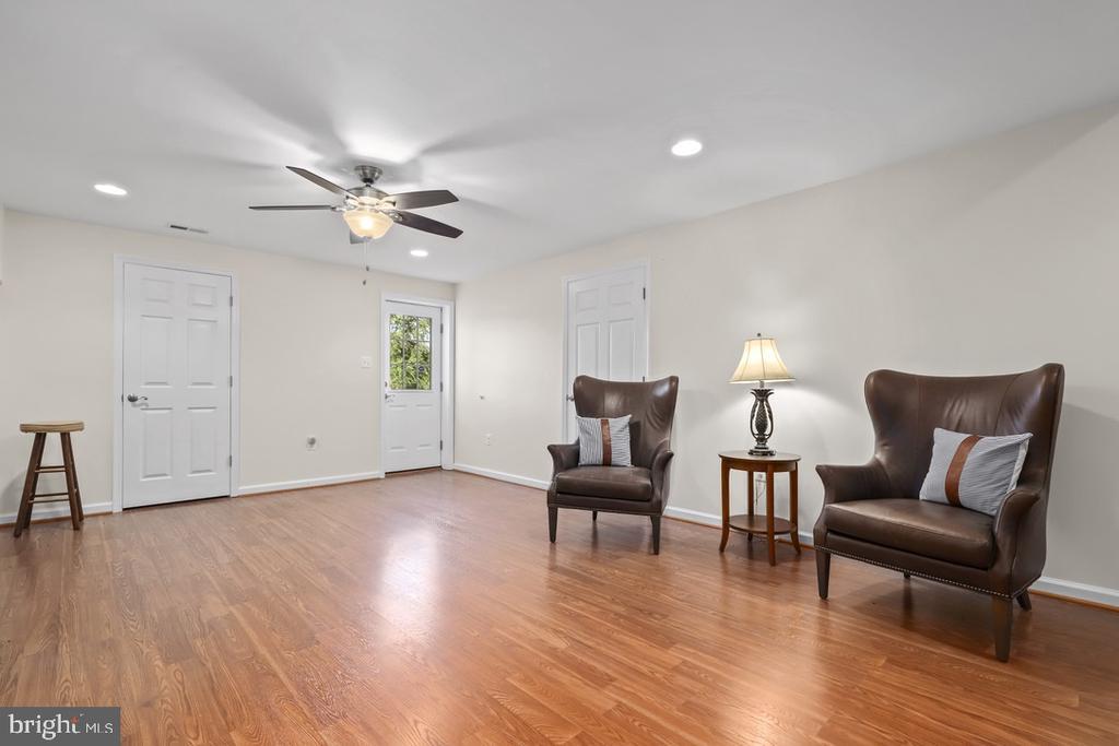Rec Room - 14868 CIDER MILL RD, HILLSBORO