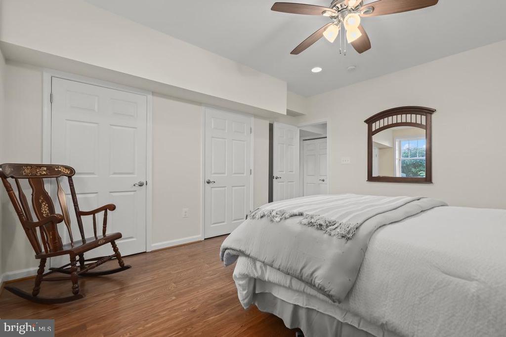 Full bedroom in walk-out lower lvl - 14868 CIDER MILL RD, HILLSBORO