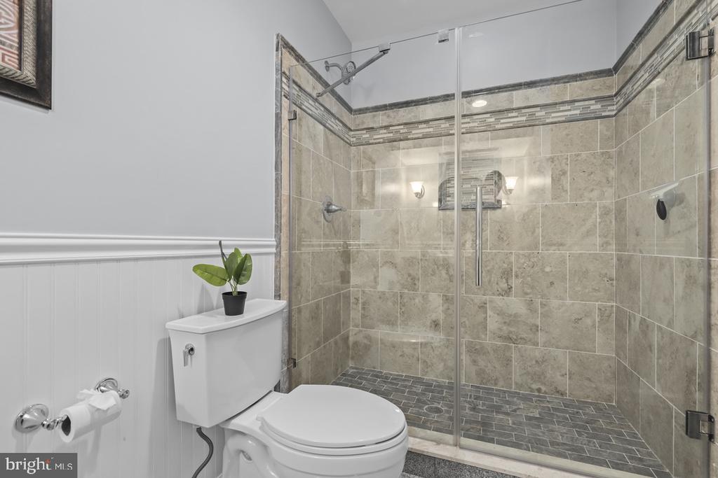 Full bath lower lvl - 14868 CIDER MILL RD, HILLSBORO