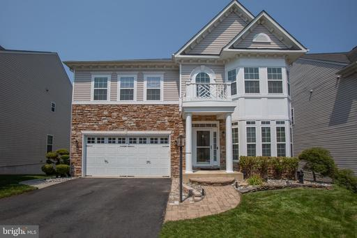 128 CARRIAGE HILL DR