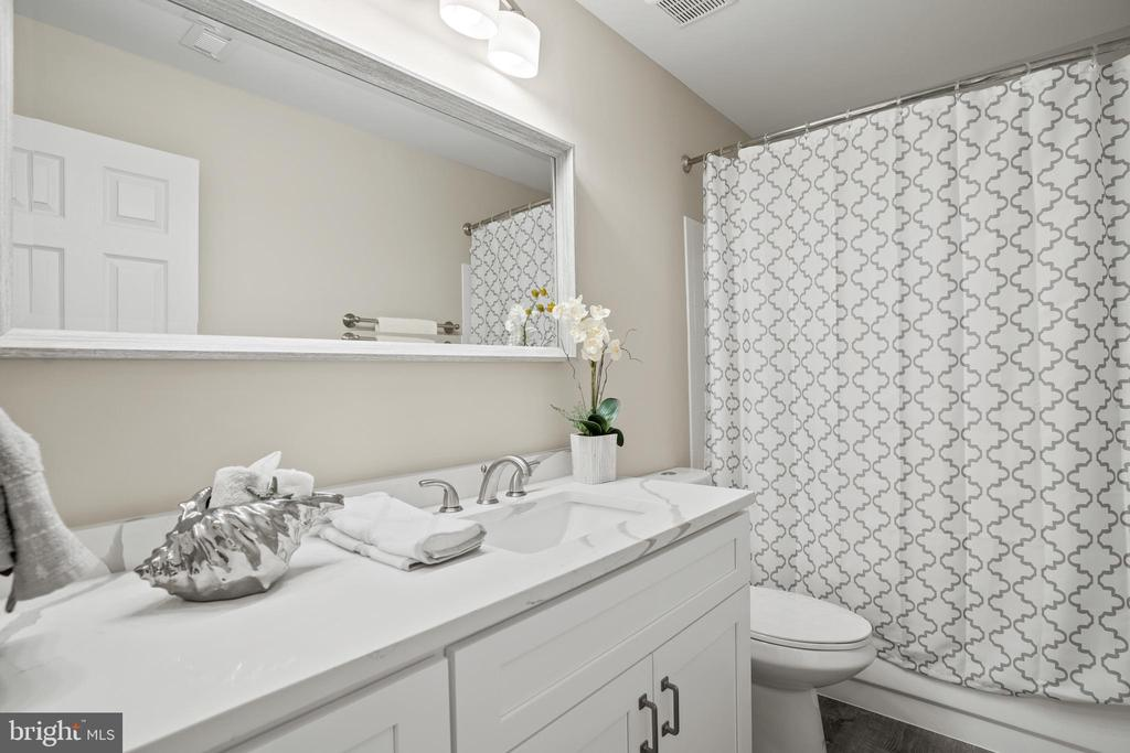 Bathroom - 1306 PAVILION CLUB WAY, RESTON