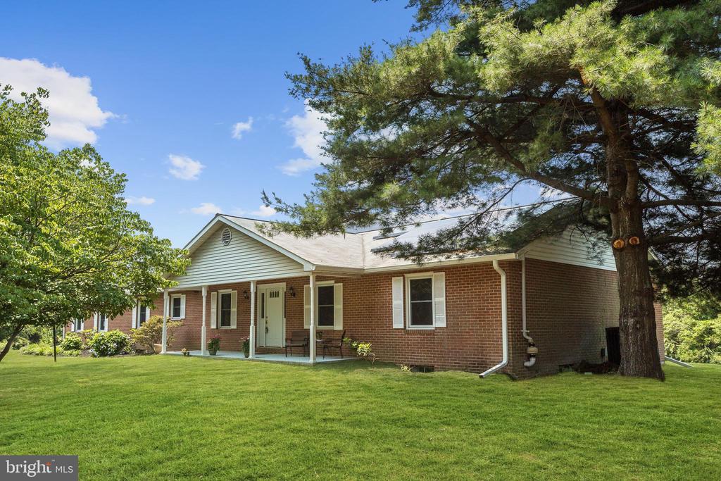 Welcome to 10132 Woodsboro Road! - 10132 WOODSBORO RD, WOODSBORO