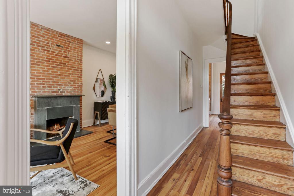 Restored random width heart pine floors - 1838 VERMONT AVE NW, WASHINGTON