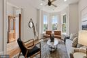 Living room w/10' ceilings, recessed lighting, fan - 1838 VERMONT AVE NW, WASHINGTON