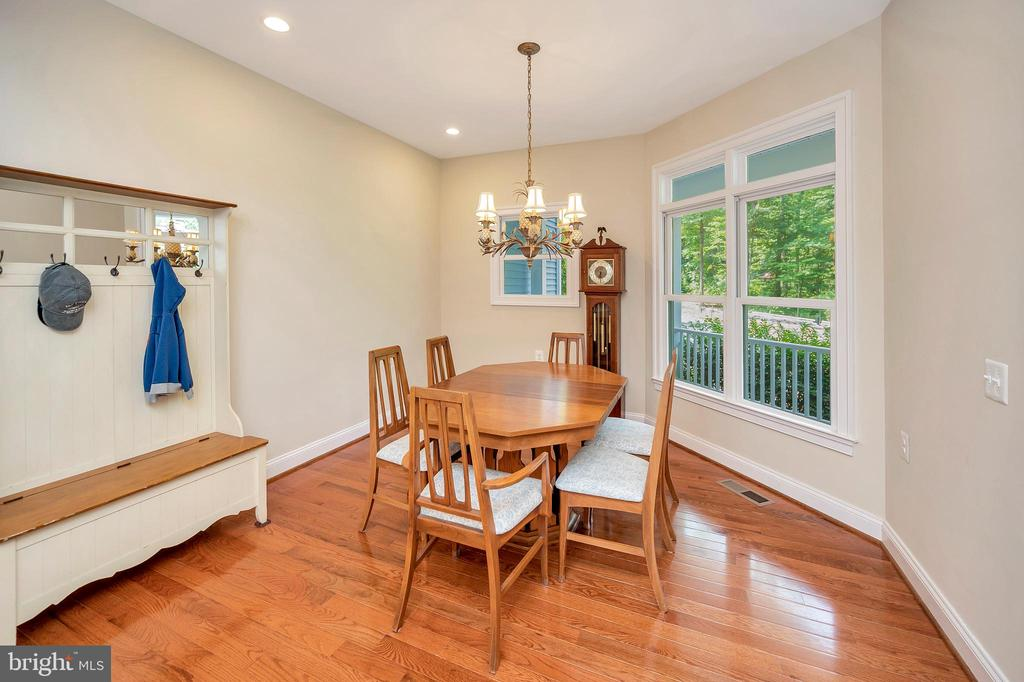 separate dining area - 108 BEACHSIDE CV, LOCUST GROVE
