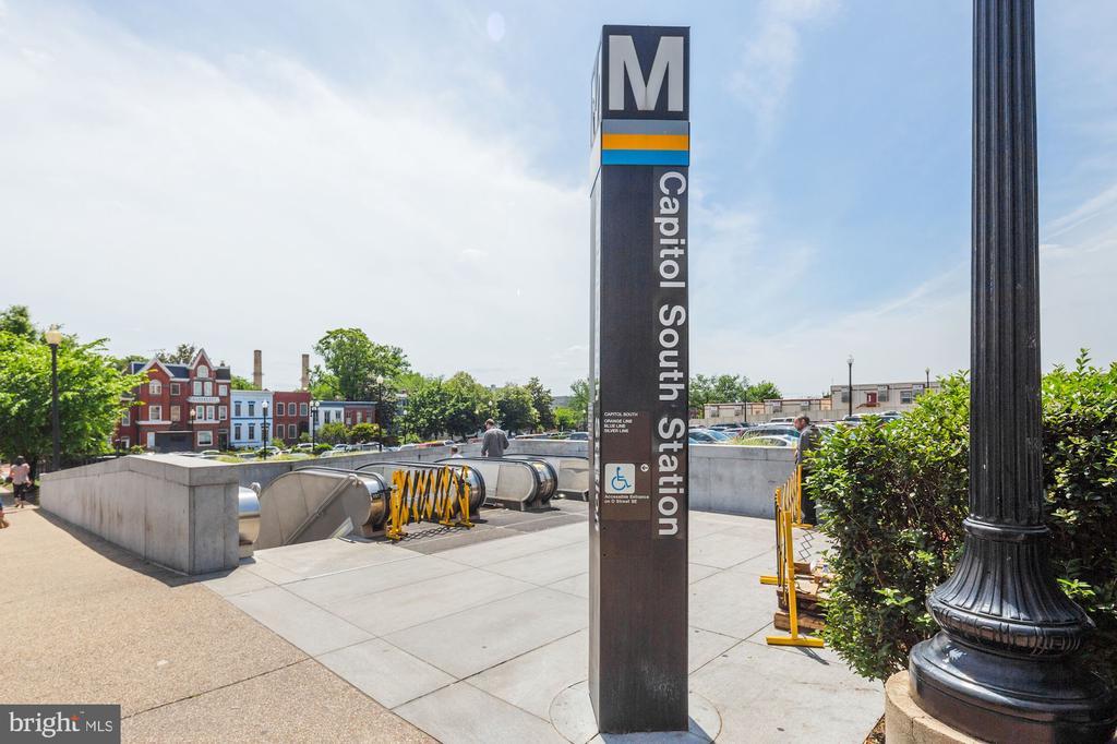 Capitol South Metro - 709 E CAPITOL ST SE, WASHINGTON