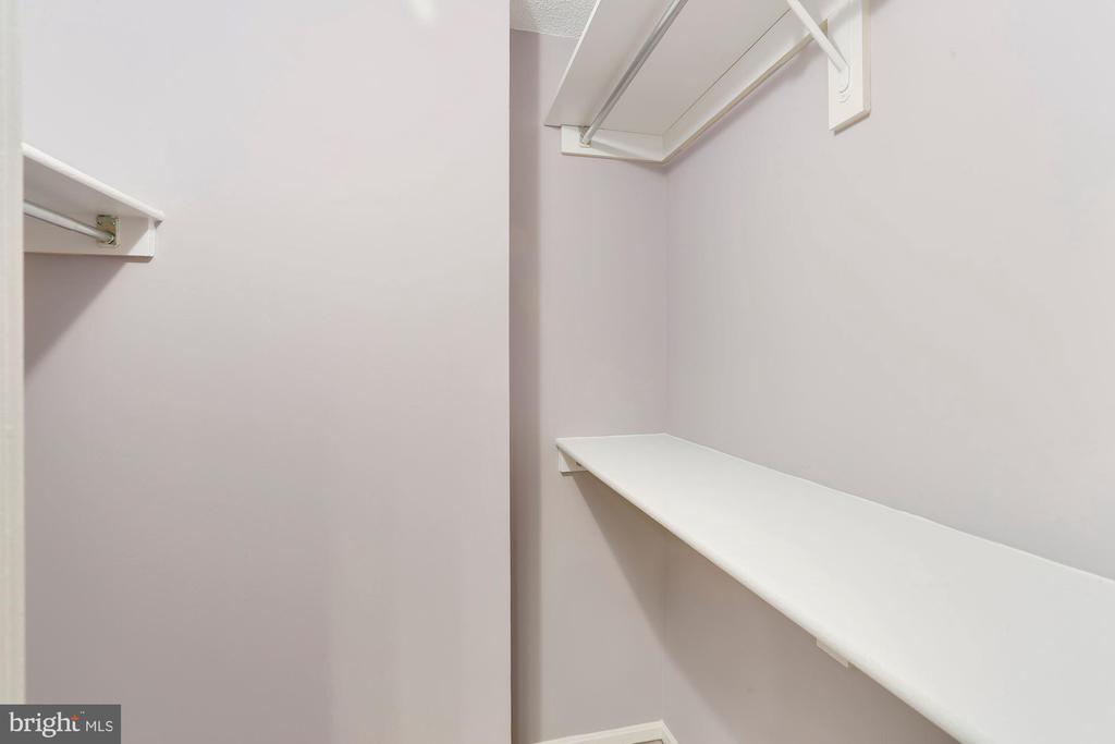 Walk-in closet - 1600 N OAK ST #624, ARLINGTON