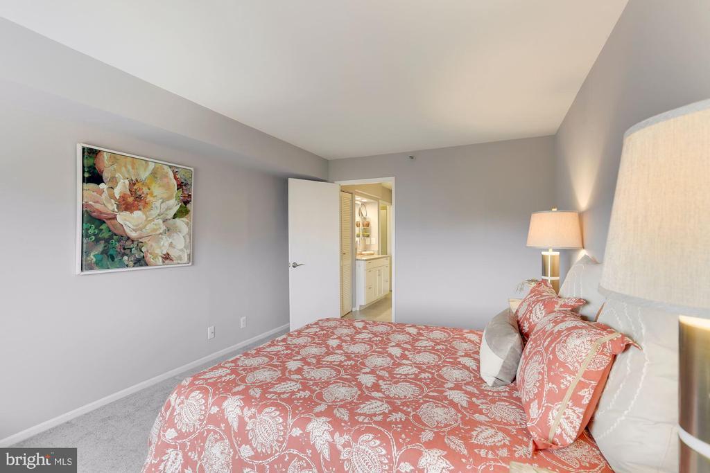 Primary bedroom - 1600 N OAK ST #624, ARLINGTON