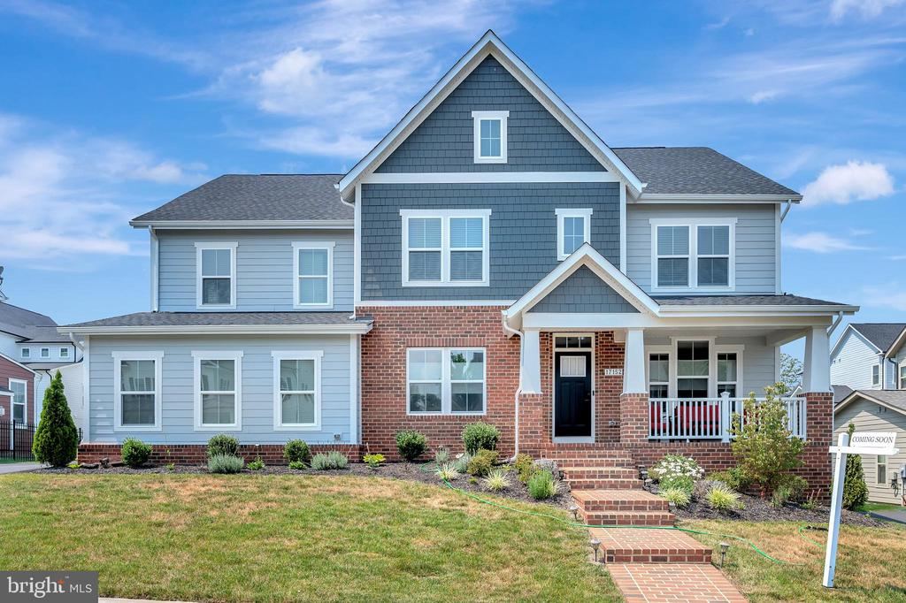 Craftsman style home - 17152 BELLE ISLE DR, DUMFRIES