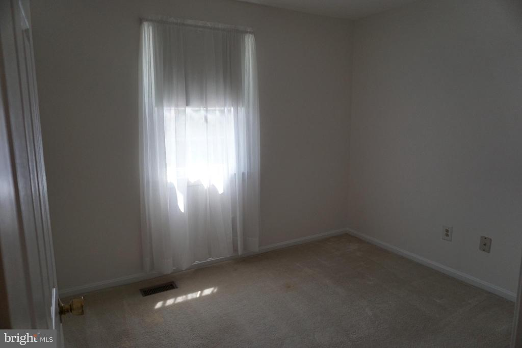 BED 1 - 310 OLD DOMINION AVE, HERNDON